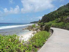 La Digue racconto. Diario del 2° giorno del viaggio alle Seychelles. 2° giorno a La Digue, oggi prendiamo la bici e ce ne andiamo alla scoperta dell'isola.