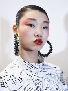 Kenzo : Backstage - Paris Fashion Week Womenswear Spring/Summer 2017