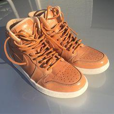久しぶりのピナクルです 革紐通したのでいつでもいけます Nike AJ1 Pinnacle with original leather shoe lace. Date 2017/03/22 #ピナクルaj1エイジング委員会 #pinnacle #aj1 #aj11 #jordan #jordanbrand #sneakerheads #sneakerporn #sneakerfreaker #sneakerholics #足元倶楽部 #ナイキ #vachettatan #fashion #kicks #todayskicks #Tokyo #KOTD #YOLO #tagsforlike #tflers #instagood #instadiary #instalike #instapic #instaphoto #shoestagram #instashoes