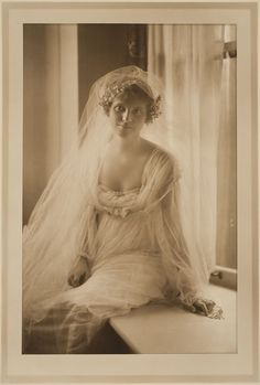 Untitled (bridal portrait),1910s. Photograph by Martin Schweig, Image ©️️ Harvard Art Museums.  www.harvardartmus...