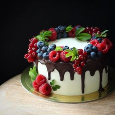3,241 отметок «Нравится», 38 комментариев — Катя Любимцева (@katya_lybimtceva) в Instagram: «Наполеон с ягодами »
