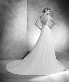 VERA- Lace wedding dress with bateau neckline | Pronovias