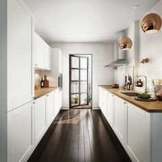 Narrow kitchen layout// Well-designed kitchen for maximum efficiency Kitchen Window Coverings, Interior Design Kitchen, Country Kitchen Decor, Kitchen Plans, Kitchen Design Small, Kitchen Window Treatments Diy, Kitchen Glass Doors, Kitchen Layout, Living Room Kitchen