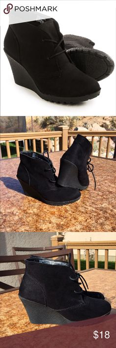 White Mountain Ankle Boots! Black White Mountain ankle boots! Perfect for the up coming season! Shoe laces for easy wear and added style. Shoes Ankle Boots & Booties