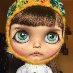 Every time I take out one of my dolls I'm amazed all over again at the talent of the customizer. Incredible. #blythe #blythedoll #blythecustom #customblythe #customblythedoll #doll #dollphoto #dollphotography #blythephoto #blythedollphoto #instablythe #instadoll #dollstagram #blythestagram #tiina #tiinacustom #tiinablythe #lego #eurotrash #blytheclothes #licca #uniquedoll #bigeyeddoll