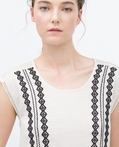 ZARA - COLLECTION AW15 - TOP À BRODERIES CONTRASTANTES