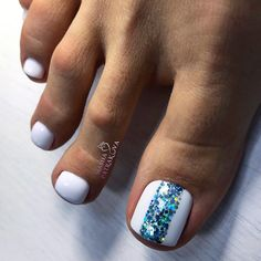 Chic Toe Nails In Bold White Color ❤ Amazing Toe Nail Colors Pretty Toe Nails, Cute Toe Nails, Toe Nail Art, Stylish Nails, Trendy Nails, Nail Art Pieds, Best Toe Nail Color, Glitter Toe Nails, Toe Nails White