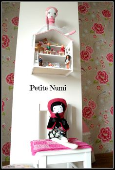 https://www.facebook.com/pages/Petite-Numi-handemade-with-loveDora-Richter/157576850957839