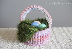 Easy Easter Basket Crochet Pattern - FREE!  Perfect tutorial for an Easter diy gift!  Free pattern for the fun fake grass too :)