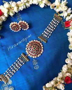 Classic Kemp Jewellery Designs & Where to Shop Them Jewellery Shop Design, Jewelry Design Earrings, Bead Jewellery, Amrapali Jewellery, Silver Jewellery, Silver Rings, Indian Wedding Jewelry, Bridal Jewelry, Best Jewelry Designers