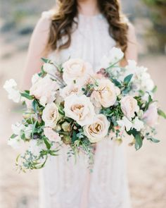 """Wedding Sparrow (@weddingsparrow) su Instagram: """"The most romantic neutral tones for a desert bridal session by @layersoflovely and…"""""""