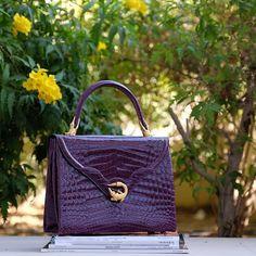 Ladies alligator handbags for sale Hermes Handbags, Handbags On Sale, Fashion Handbags, Womens Designer Bags, Insulated Lunch Bags, Beautiful Handbags, Brown Bags, Crossbody Shoulder Bag, Bag Sale