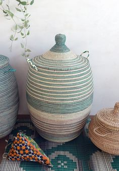Laundry Basket (XL) in ivory & green / African Basket Large Storage Baskets, Decorative Storage, Decorative Items, Woven Baskets, Home Decor Baskets, Basket Decoration, Home Decor Items Online, Basket Weaving, Laundry Baskets