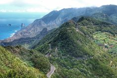 Feliz #diadecanarias! Lo celebramos con un post de los 5 #sitiosimperdibles en la #isla de #Tenerife. Uno de ellos #Anaga. Cuál elegirías tú?