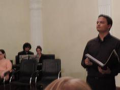 Cantando con el @coroestablemsel en Acto de Grado de Escuelas de Arte del Edo. Carabobo. Dir. @SilenaMSoprano.