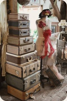 http://www.sortrature.com/vintage-suitcases-for-decoration/#
