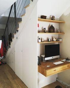 Placard et bureau par Slick Shelves Under Stairs, Closet Under Stairs, Stair Shelves, Closet Bedroom, Closet Desk, Dog Bedroom, Small Space Interior Design, Ikea Desk, Paint Colors For Living Room