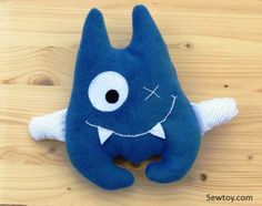 A free baby monster sewing pattern for a cute playful friendly little monster, who loves to cuddle and keeps scary monsters away throughout the night.
