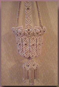 Macrame Toran, Macrame Art, Macrame Plant Hangers, Thread Art, Macrame Tutorial, Kawaii Wallpaper, Macrame Patterns, Diy Art, Knots