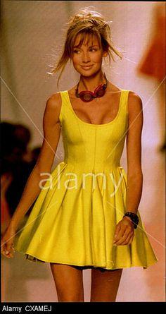9a2cee339 DKNY label by donna karan - fall winter 1994 1995 new york fashion week