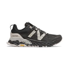 Shop now for the Men's Fresh Foam Hierro Shoes at New Balance. Visit the New Balance website and see the latest trends here now. Best Running Shoes, Trail Running Shoes, Running Shorts, New Balance Hombre, Adidas Supernova, Keep Shoes, New Balance Fresh Foam, Baskets, Trail Shoes