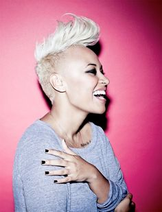 MIley wasn't the first to sport her hair shaved on the side and flipped at the top with a cool retro pompadour. Emeli has been sporting this look for quite a while and definitely knows how to rock it out! Emeli Sande, Natural Hair Styles, Short Hair Styles, Half Shaved, Shaved Sides, Stevie Wonder, Good Hair Day, Her Hair, Hair Inspiration
