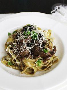 Pasta Recipes : Slow Cooked Lamb and Mushroom Pasta