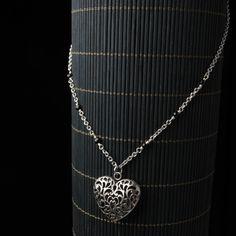 Heart Pendant on Beaded Chain - schlicht und einfach schön.