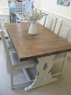 STUNNING LARGE DINING TABLE & 4 CHAIRS, OAK / CREAM LAURA ASHLEY GINGHAM SEATS