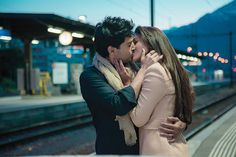 Gauhar khan kissing Rajeev Khandelwal