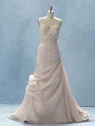 Disney Fairy Tale Wedding Dress. Sleeping Beauty style 218.