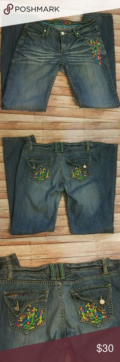Coogi Womens Jeans Size 11/12 Womens Coogi Jeans  Size 11/12 Length 33 1/2  Flawless no problems except for belt look that has come apart. (See pic) COOGI Jeans