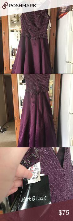b48fbeba27c Mark   Lizzie formal dress Mark   Lizzie long formal prom dress. Size 8