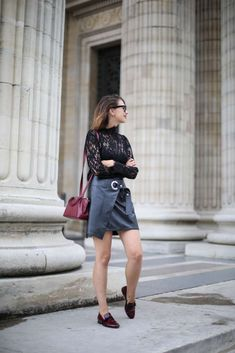 look rentree dentelle noire cuir et bordeaux trench burberry the brunette blog… French Fashion Bloggers, Trench Burberry, The Brunette, Bordeaux, Leather Skirt, Style Me, Personal Style, Mini Skirts, Woman