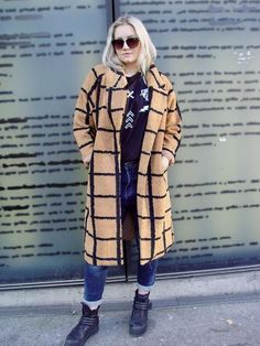 Urban Style for Her Smart Styles, Dress First, Wool Coat, Urban Fashion, Camel, Street Style, Dresses, Vestidos, Urban Style