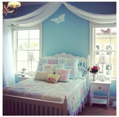 Beautiful blue bedroom for your kid, I love it!