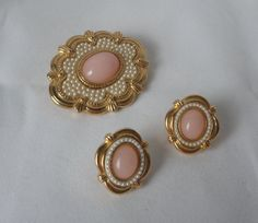 Vintage Gold Tone Pink Lucite Cabochons and Faux by PinkFlock