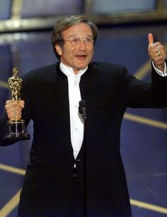 """2/08/2014 11:17pm The Academy Award Ceremony  1998: Robin Williams  Best Supporting Actor for """"Good Will Hunting"""" 1997."""