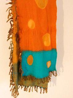 メリノウールとシルクのマフラー by ヒツジフエルト縮絨室 [Merino wool&Silk Muffler by Felt Fulling Lab]