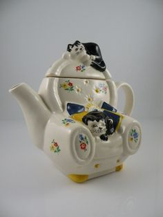 TEAPOT WHIMSICAL CAT NAP FELINE COLLECTION by WADE ENGLAND Easy Chair w Black & White Cat in Seat and Black & White Cat on Top.