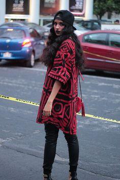 www.oddcatrina.com MBFW México día 3.  Casa Alacrán: Red Brushed Oversized Tee / Snapback / Black Pleather Leggins Gucci: Soho Leather Disco Bag Steve Madden: Gold Marlenee Fantas Eyes via Nordstrom: