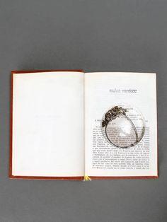 A gloomy poetry w/ Munoz Vrandecic broken lens glass long necklace