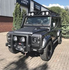 Classic Cars – Old Classic Cars Gallery Land Rover Defender 130, Landrover Defender, Land Rover Discovery Off Road, 04 Jeep Grand Cherokee, Land Rover Models, Best 4x4, Mercedes Benz 300, Old Classic Cars, Automobile