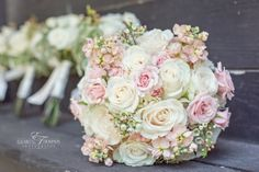 Pink & white, country chic bouquet - Elizabeth Thompson Photography