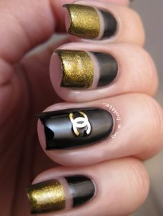 Black & Gold Chanel Nails by angie rule Bright Nails, Funky Nails, Love Nails, Trendy Nails, How To Do Nails, Nail Art Designs 2016, Simple Nail Art Designs, Easy Nail Art, Black Gold Nails