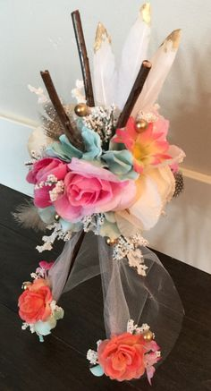 58 ideas for baby shower boho pow wow Baby Shower Favors Girl, Baby Shower Decorations For Boys, Baby Shower Themes, Shower Ideas, Feather Centerpieces, Baby Shower Centerpieces, Table Centerpieces, Indian Baby Showers, Tribal Baby Shower