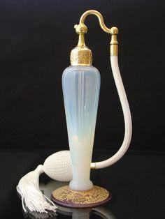 Art Deco Pearl Opalescent DeVilbiss Atomizer Perfume Bottle