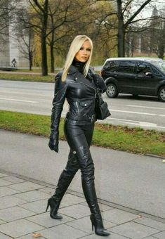 Babe in black outfit and boots Leather Boots, Leather Trousers, Leather And Lace, Leather Catsuit, Black Leather, Fetish Fashion, Latex Fashion, Mistress, Botas Punk