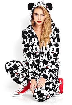 Cailin Russo models the & Disney Collaboration Mickey&CO Styled by Dalit Gwenna Pyjamas, Onesie Pajamas, Cute Pajamas, Pijama Disney, Disney Pajamas, Disney Mickey, Disney Outfits, Outfits For Teens, Girl Outfits