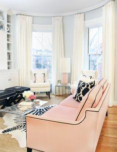 beautiful livng room layout.